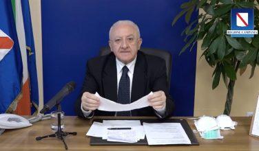 """De Luca: """"In Campania confermato il divieto di passeggiare e fare jogging"""""""