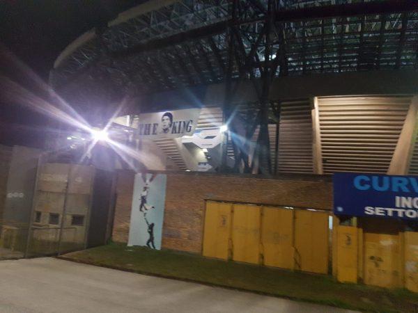 LIVE DA FUORIGROTTA- Tifosi all'interno del San Paolo!