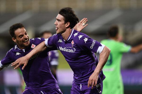 La Fiorentina stende la Lazio: 2-0, doppio Vlahovic in attesa del Napoli