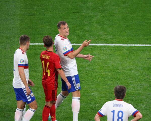 Belgio in campo contro la Danimarca, esclusi De Bruyne e Hazard: c'è Mertens