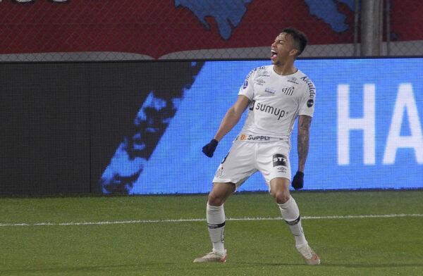 Napoli, Milan e Juve beffate: un altro club europeo si fionda su Kaio Jorge