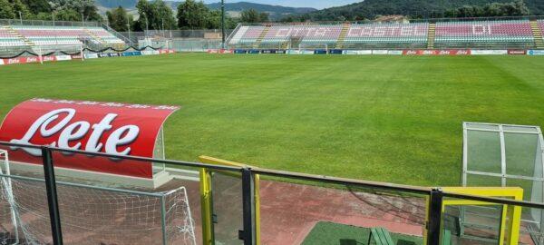 [FOTO]   Tutto pronto a Castel di Sangro: ecco il restyiling dello stadio!