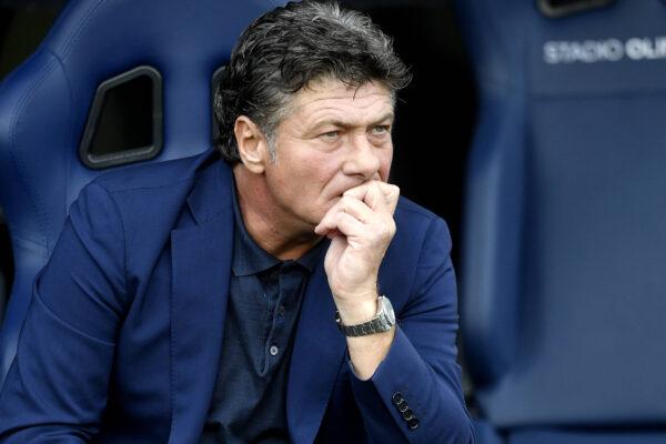 Scossa allo spogliatoio: Mazzarri vuole rivoluzionare il Cagliari in vista della sfida con il Napoli