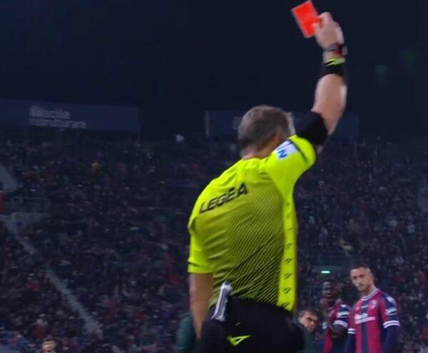 Altra espulsione nel Bologna: doppio squalificato contro il Napoli