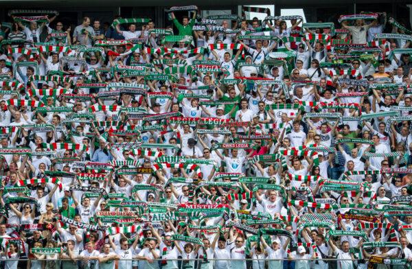 Tifosi del Bologna contro l