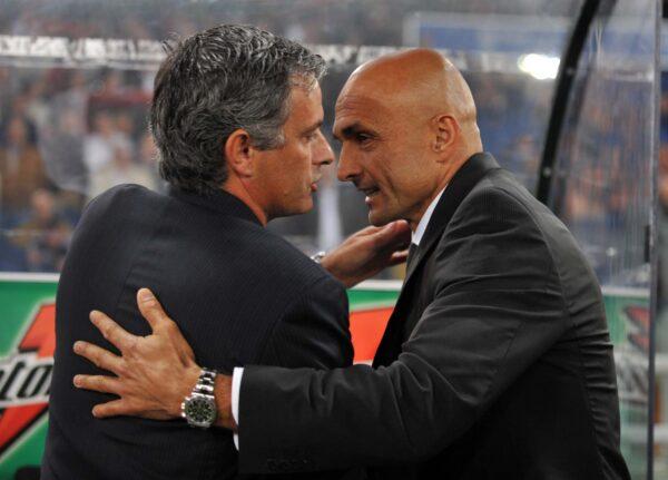 """Roma, Mourinho: """"Il Napoli non mi sorprende, è una grande squadra"""""""
