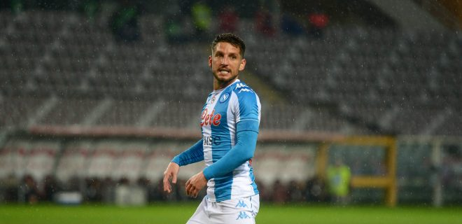 Italy: Torino FC vs Napoli Dres Mertens of SSC Napoli during the Serie A football match between Torino FC and SSC Napoli. Sporting stadiums around Italy remain under strict restrictions due to the Coronavirus Pandemic as Government social distancing laws prohibit fans inside venues resulting in games being played behind closed doors. Turin Italy Copyright: AlbertoxGandolfo